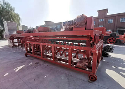 Cow dung compost fertilizer turning machine