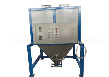 Double bucket manure bag filling machine