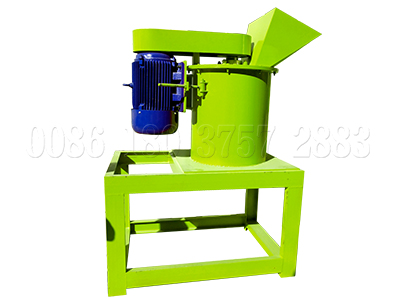 New vertical pulverizing machine for cow dung compost powder making